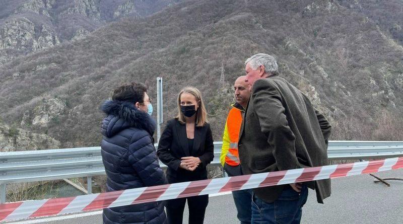 Започва укрепването на рухналата подпорна стена на пътя Кричим-Девин