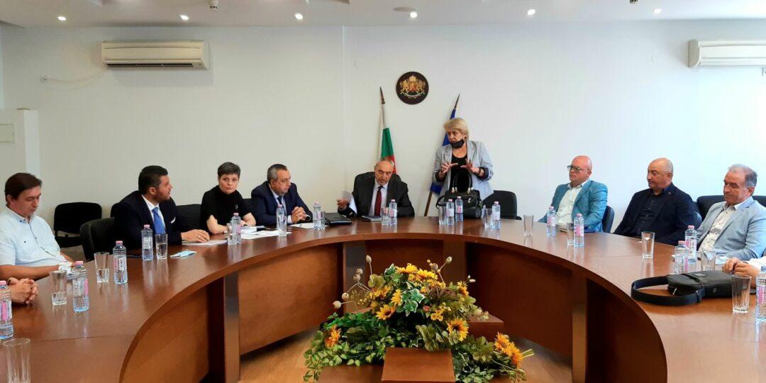 Областният управител се срещна с кметове и представители на всички общини от област Пловдив