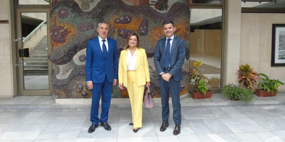 Областният управител се срещна с италианския посланик Н. Пр. Джузепина Дзара
