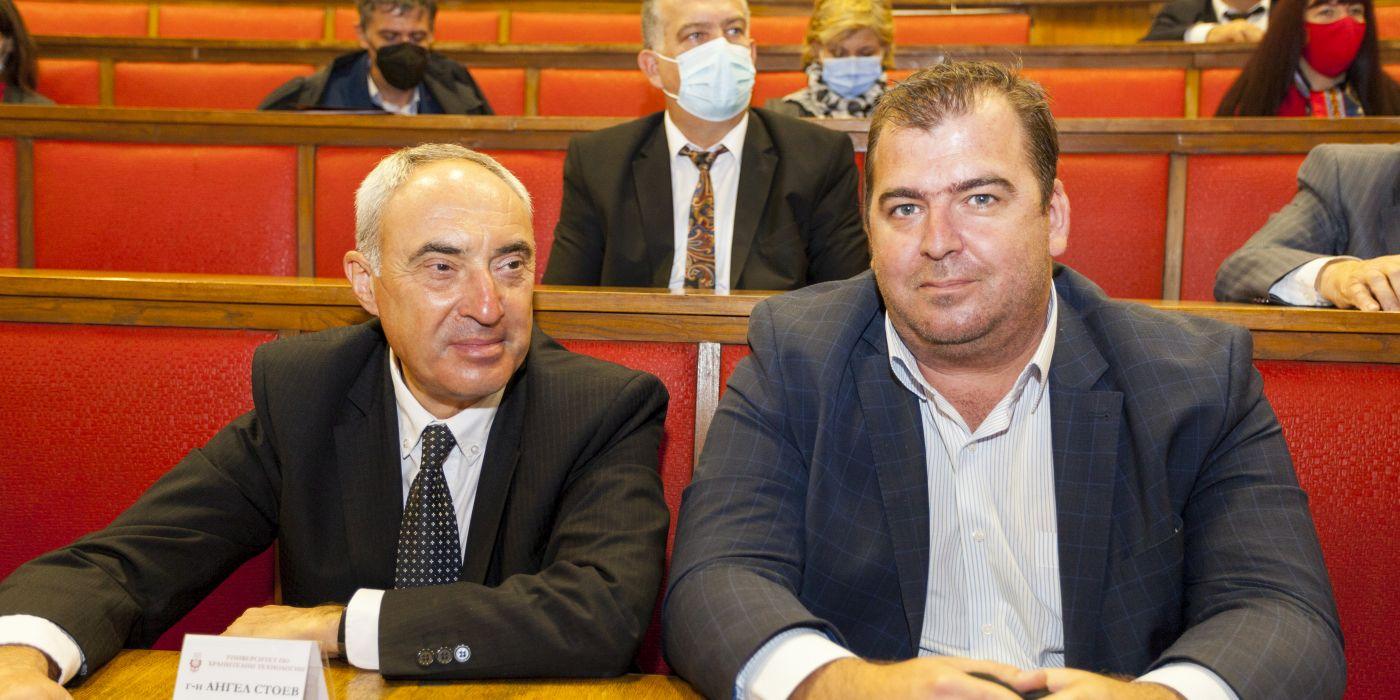 Ангел Стоев - областен управител на област Пловдив и Явор Гечев - зам.-министър на замеделието, храните и горите